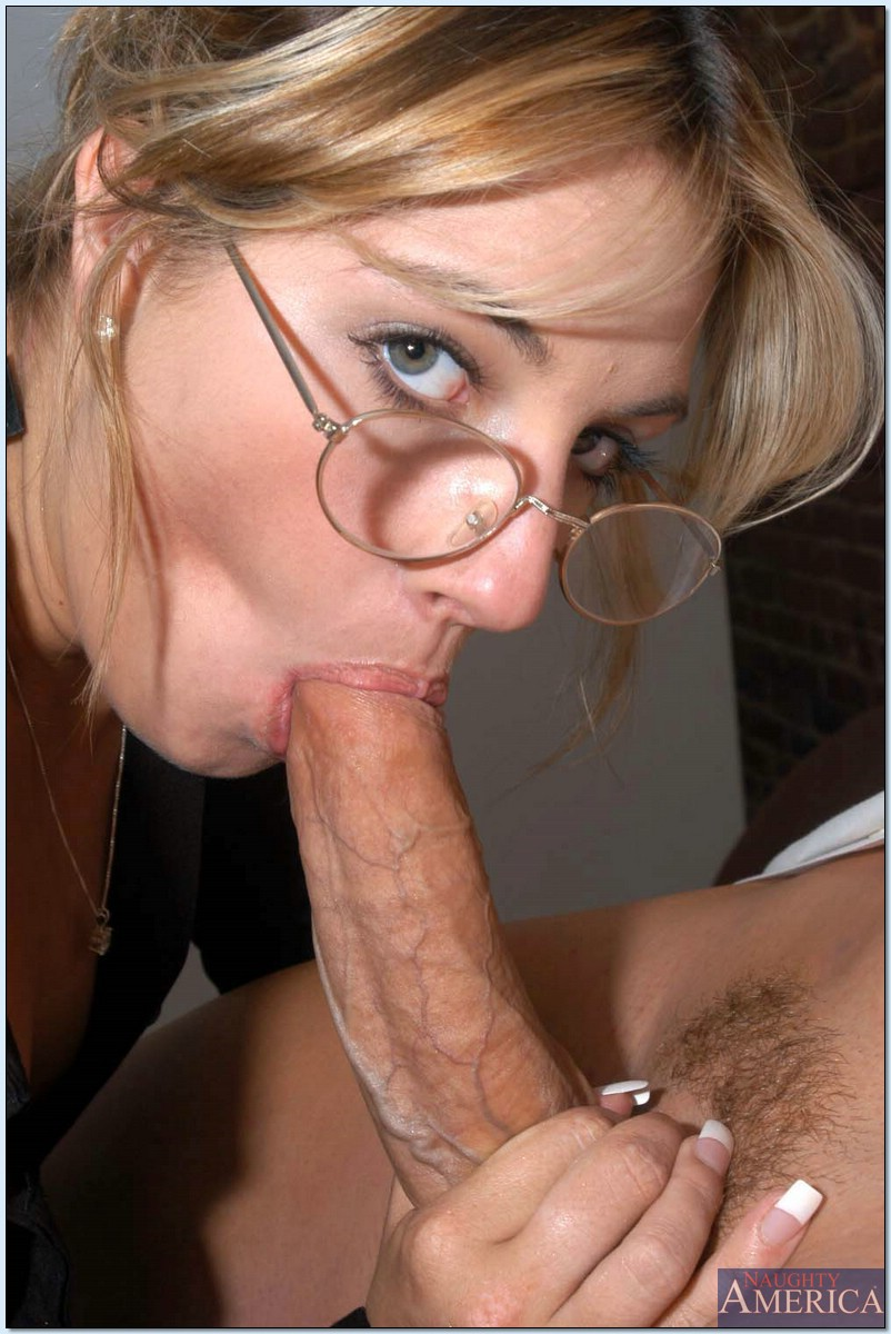 young long lipped pussy